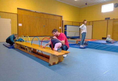 Freie Plätze im Eltern-Kind-Turnen